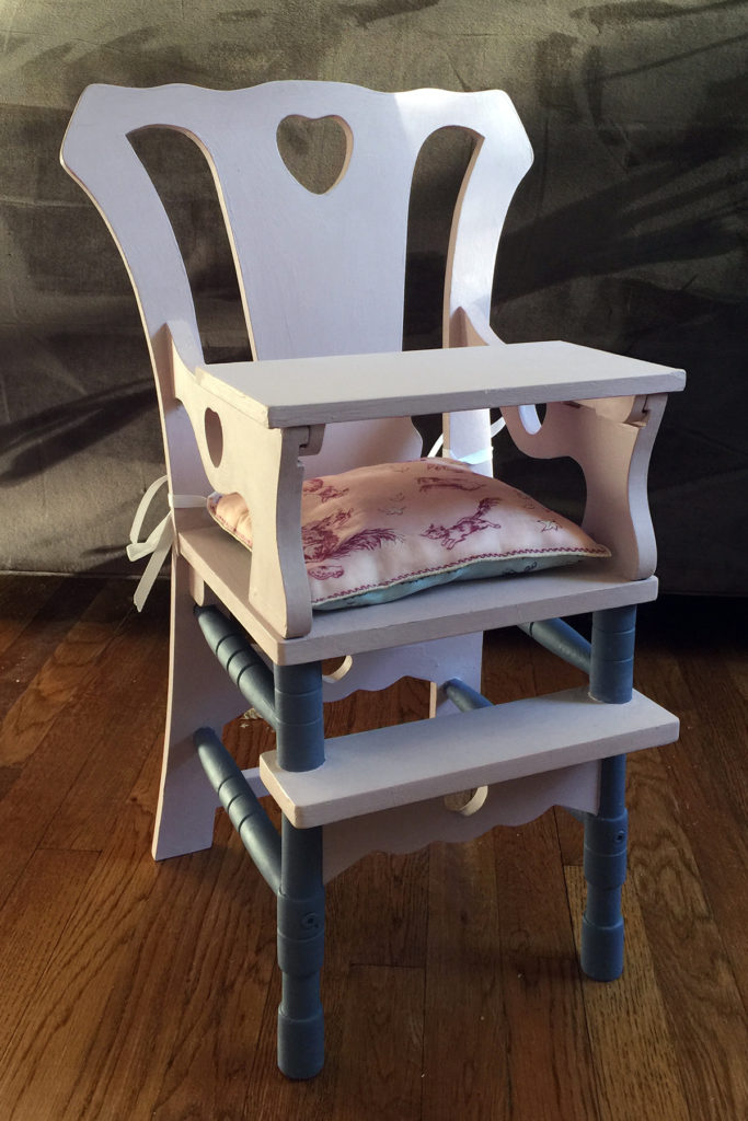 high-chair-with-pillow-2